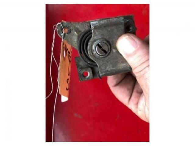 WINDSHIELD WIPER MECHANISM 46 OLDSMOBILE